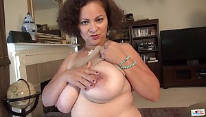 Honcho Marie Black - old mature granny with fat naturals broadcasting situation cunt closeup