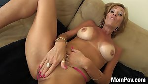 glamour GILF wants massive dick