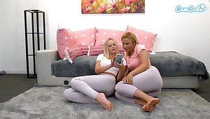 Blonde babes tear spandex to fingerfuck themselves and  squirt over leggings be incumbent on webcam audeince