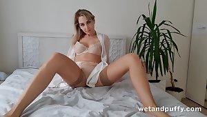 Alone emotional coupled with beautiful hottie in beige stockings Siya masturbates pussy