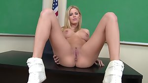 Jessa Rhodes Pov Blowjob In Classroom