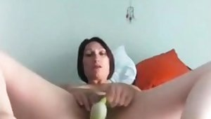 A mom who toys both her holes