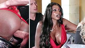 Bartender banged buzzed women ass making out regarding 3some